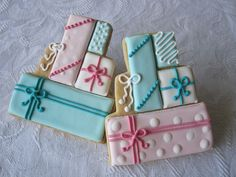 Sweet n Pretty Present Stack Cookies, make using wedding cake cookie cutter Fancy Cookies, Iced Cookies, Cute Cookies, Cupcake Cookies, Cupcakes, Wedding Cake Cookies, Birthday Cookies, Iced Biscuits, Cookies Et Biscuits