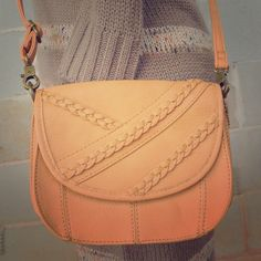 Carlos Santana Camel Crossbody Purse Camel colored crossbody bag by Carlos Santana. Super cute and a great addition to your fall wardrobe! Excellent pre-owned condition, no flaws! Carlos Santana Bags Crossbody Bags