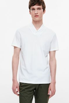 Made from extra-soft pima cotton, this t-shirt has a ribbed shawl collar, short sleeves and neat doublestitch finishes.
