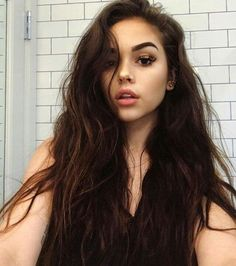 """[fc:maggie lindemann] """"Hi there I'm Sarah Dolan. I'm 17 years old and Single.i have a little sister and two twin brothers who are older. I can be sweet or sarcastic, it honestly depends on my mood. I try to be nice to everyone unless they are mean to me, Maggie Lindemann, Pretty Girl Images, Beautiful Girl Image, Beautiful Eyes, Pretty Girls, Brunette Beauty, Hair Beauty, Beauty Style, Live Girls"""