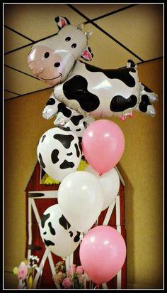 Adorei a combinação de cores !!   Farm Birthday Party Ideas | Photo 7 of 19 | Catch My Party
