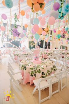 Kayla's Pink Flamingo Themed Party – Table centerpiece