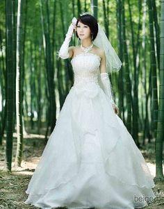 Amazon.co.jp: ラメ入りカバーレースウエディングドレス: 服&ファッション小物