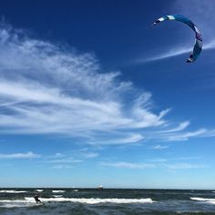 So kitesurfing looks awesome. #kitesurf #kitesurfing #kiteboarding #norfolkva #virginia #loveva #beach #chesapeakebay by bbubbleshades