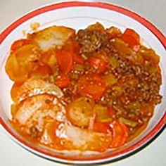 Les ingrédients 1 lb. de boeuf Beurre Les étapes Étape 1 Cuire le boeuf dans le beurre (environ1 c. à soupe comble) et mettre dans le fond d'un plat allant au four. Étape 2 Ajouter: 1 rang d'oignons hachés 1 rangée de céleri tranché en biseau 1 rangée de carottes en rondelles 1 rangée de … Cookbook Recipes, Cooking Recipes, Mets, Your Recipe, Hamburger, Meal Planning, Curry, Nutrition, Favorite Recipes
