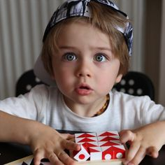 Find images and videos about cute, baby and baby boy on We Heart It - the app to get lost in what you love. Cute Little Boys, Cute Baby Boy, Little Babies, Baby Kids, Boy Pictures, Cute Baby Pictures, Baby Photos, Beautiful Children, Beautiful Babies