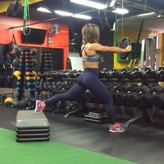 """Gefällt 2,241 Mal, 179 Kommentare - V a n e s s a (@bfitlikevane) auf Instagram: """"Give this Bulgarian split squat variation a try on your next workout day. Get those quads and…"""""""