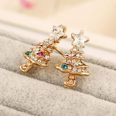 HOT New Christmas Gifts Gold Plated Metal Christmas Tree Stud Earrings for Women Fashion Jewelry Rhinstone Crystal Earrings