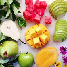 FRUIT IS LOVE !