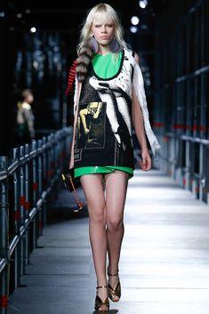 Miu Miu Resort 2016 Fashion Show - Mica Arganaraz