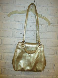 Items similar to Vintage Gold Brass Crocodile Alligator Snap Buckle Shoulder  Bag Purse on Etsy 902be9cae8c9