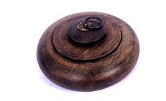 Vintage Rare decorative Beautiful Hand Crafted Round Wooden Box. i74-7