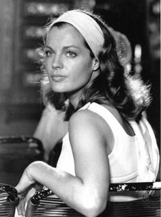 L'interview vanity flash-back de Romy Schneider You can collect images you discovered organize them, add your own ideas to your collections and share with other people. Romy Schneider, Interview, Vanessa Paradis, Classic Hollywood, Old Hollywood, Hollywood Actresses, Actors & Actresses, Elle Moda, Estilo Glamour