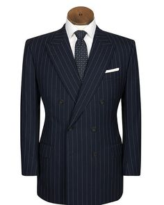 Midweek elegance in the guise of one of our double breasted bespoke suits. #bespoke