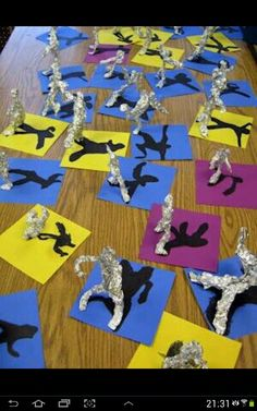 Alberto Giacometti figurative sculptures and shadows - art lessons the boys would love! Alberto Giacometti, Middle School Art, Art School, Arte Elemental, School Art Projects, 3d Art Projects, Superhero Art Projects, Art Education Projects, Kindergarten Art Projects