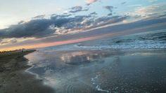 Distrazioni e condivisioni di vita.... #friends #sunset #landscape #tramonto #nofilter #igers #igersrimini #turismoer #riccione #rimini #romagna #vivorimini #volgorimini #instapics #instapics #instaphoto #amazing #picoftheday by perfettifrancesco