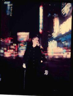 Norman Parkinson: Wenda [Parkinson] in Times Square, September 1949.