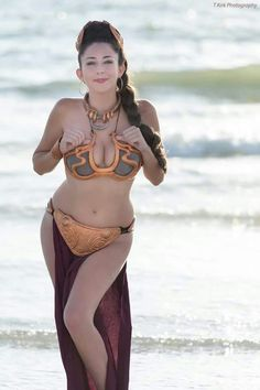 """cosplayandgeekstuff: """" Kitty Solo (USA) as Slave Leia. Photos I and II by: Mig Photography World Photos III and IV by: T Kirk Photography """" Slave Leia Costume, Princess Leia Cosplay, Leia Star Wars, Black Canary, Love Stars, Look Alike, Cosplay Girls, Cosplay Costumes, Woman Costumes"""