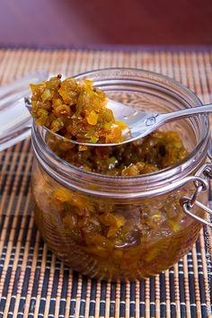 Релиш - соус-приправа из маринованных овощей, который хорошо дополняет вкус любых мясных блюд, причем холодных ничуть не хуже, чем горячих.