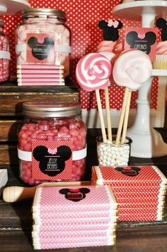Vintage Minnie Mouse Party via Kara's Party Ideas | Kara'sPartyIdeas.com #Vintage #MickeyMouse #Party #Idea #Supplies (23)