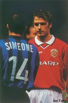 Diego Simeone (Inter Milan, 1997–1999, 57 apps, 11 goals) vs David Beckham (Manchester United FC, 1992–2003, 265 apps, 62 goals), 1st time after the 1998 FIFA World Cup. Inter Milan vs Manchester United, 1998/1999.