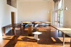Showroom für Massivholztische auf Maß in Berlin. Massivholz Tisch nach Maß von MBzwo. Eiche Tische, Nussbaum Tische und viele weitere Holzarten!