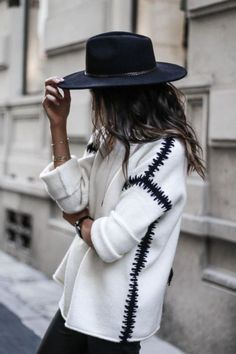 Fedora and chunky knit jumper winter fashion winter style winter outfit streetstyle Mode Outfits, Fashion Outfits, Womens Fashion, Fashion Trends, Fashionable Outfits, Trendy Outfits, Looks Street Style, Looks Style, Vetements Clothing