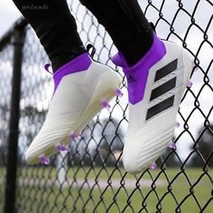 Dope boot concept! If these were real would you buy them? : @spaceofsoccer and edit by @c.l.e.a.t.s