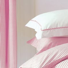 What could be nicer than pink gingham curtains and bedding? Gingham Curtains, White Curtains, Granny Chic, Pink Gingham, Pink White, Cottage Rose, White Cottage, Cozy Cottage, Cottage Style