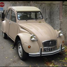 Citroën 2CV6 Spécial  Any others have a soft spot for these silly French cars?