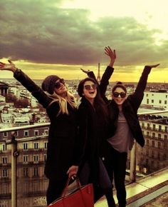 Selena Gomez Vanessa Hudgens & Ashley Benson on the panoramic terrace of the Printemps store in Paris