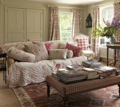 I find this very homey in a comfy, curl-up-with-good-book-and-cup-of-tea kind of way.