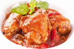 Crock pot cooking makes for easy meals. Crock Pot Chicken Cacciatore Recipe from Grandmothers Kitchen. Crock Pot Recipes, Crock Pot Cooking, Slow Cooker Recipes, Chicken Recipes, Cooking Recipes, Recipe Chicken, Chicken Cacciatore, Bariatric Eating, Dinner Ideas