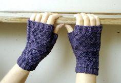 "Free pattern for pretty fingerless gloves! ""Oddity"" by Mia Heikken on Ravelry. Knitting Patterns Free, Free Knitting, Free Pattern, Crochet Patterns, Wrist Warmers, Hand Warmers, Fingerless Gloves Knitted, Lace Gloves, Mittens Pattern"