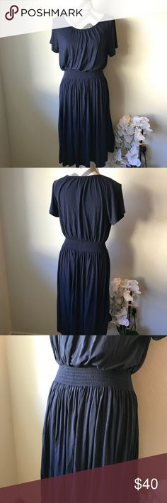 NWOT Chelsea and Theodore Womens Navy Dress Excellent Condition! Can fit M or even size L because the band on the waist stretched. Chelsea and Theodore Dresses Midi