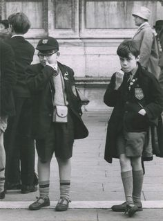 Two schoolboys in Trafalgar Square, 1964. By Ronald Reis.