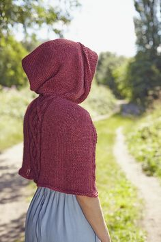 Ravelry: Haddington Capelet pattern by Rebecca Hill