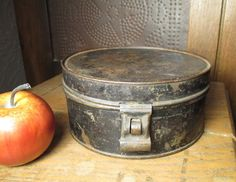Great Granny's Early Old Primitive Farm Kitchen Round Tin Spice Set w. Six Tins and Latch  #HannahsHouseAntiques  #Primitives  http://www.rubylane.com/item/497177-9258/Great-Grannyx92s-Early-Primitive-Farm