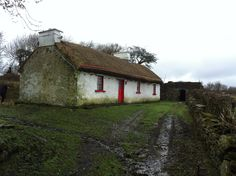 Thatched Cottage in Dunkineely Donegal Ireland