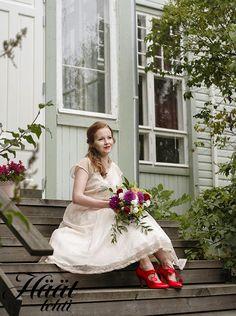 Retro Vintage, Girls Dresses, Flower Girl Dresses, Wedding Dresses, Flowers, Fashion, Dresses Of Girls, Bride Dresses, Moda