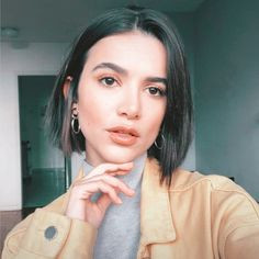 Bob Hairstyles For Thick, Hairstyles Haircuts, Hair Inspo, Hair Inspiration, Short Hair Outfits, Cabello Hair, Haircut And Color, Hair Dos, Short Hair Styles