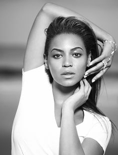I'm everybody type — chewbacca: Beyoncé for I Am… Sasha Fierce (2008) I Am Sasha Fierce, Beyonce Photoshoot, Beyonce Pictures, Michael Jackson Wallpaper, Online Photo Gallery, Black Celebrities, Celebs, Beyonce And Jay Z, Beyonce Knowles