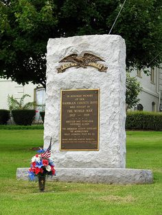 Uploaded in honor of Veterans Day. Located on the lawn in front of Morristown's County Courthouse. Morristown Tennessee, Morristown Tn, Tennessee Usa, Flight Deals, Jefferson County, Tourist Trap, Balloon Rides, Hula Girl, Roadside Attractions