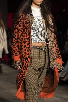 at New York Fashion Week Fall 2019 at New York Fashion Week Fall Style inspiration Leopard print cardigans outfits inspo ideas inspirations clothes Couture Fashion, Runway Fashion, High Fashion, Fashion Outfits, Womens Fashion, Fashion Trends, Fashion Weeks, Indian Fashion, Korean Fashion