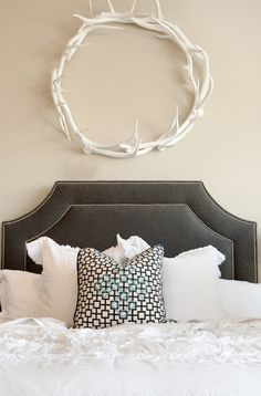 Love the antler wreath!