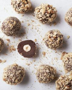 [New] The 10 Best Recipes Today (with Pictures) Candy Recipes, Sweet Recipes, Snack Recipes, Snacks, Ferrero Rocher, Chocolate Pastry, Chocolate Desserts, Eid Sweets, Macarons