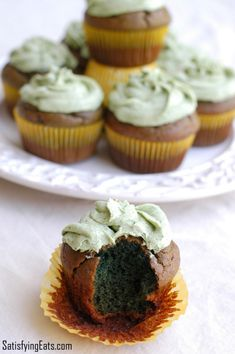 St. Patrick's Day Cupcakes with Naturally Green Cream Cheese Frosting / #lowcarb shared on https://facebook.com/lowcarbzen