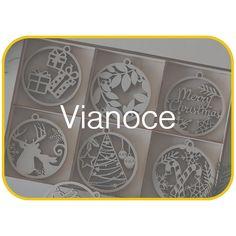 Drevené vianočné ozdoby v boxe na stromček. Jeleň, darček, cukríky Sheet Pan, Merry, Springform Pan, Cookie Sheets
