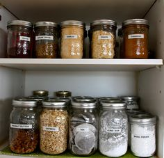 That Country Place: Organizing the pantry with mason jars..