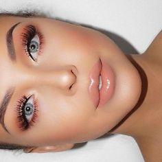 Colores durazno, corales y rosas en un maquillaje #Makeup #Peach #Natural #Maquillaje #Gloss